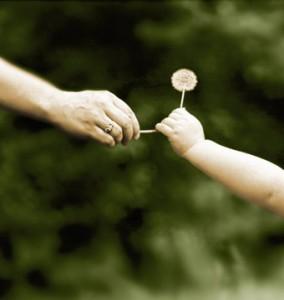 Tangan yang memberi lebih baik dari yang menerima